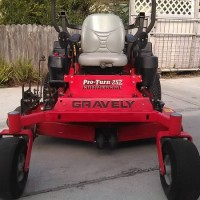 """Gravely Pro Turn 252 Commercial Pro 52"""" lawn mower"""